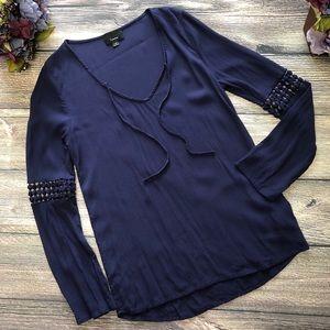 Lumiere front tie blouse lace sleeves sz Medium
